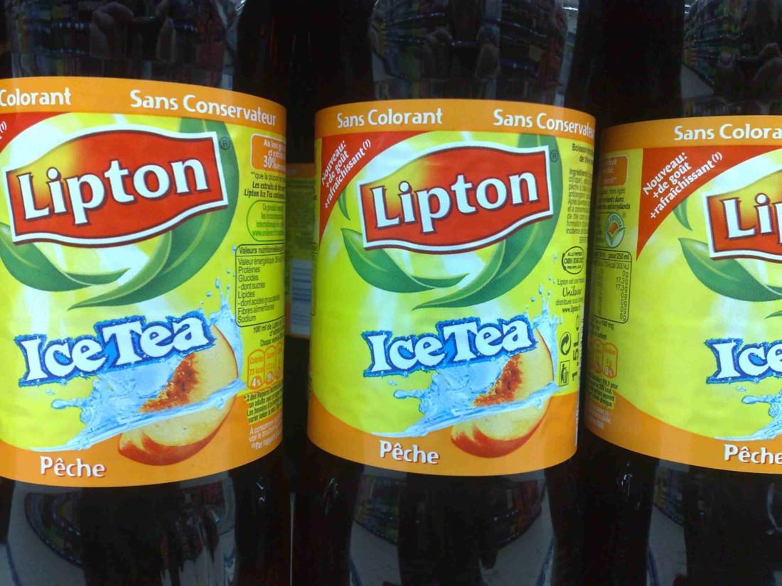 lipton Ice Tea pêche en PET 2 l a retrouvé au second semestre 2009 un PVC moyen à 1,80 € en GMS (photo RB)